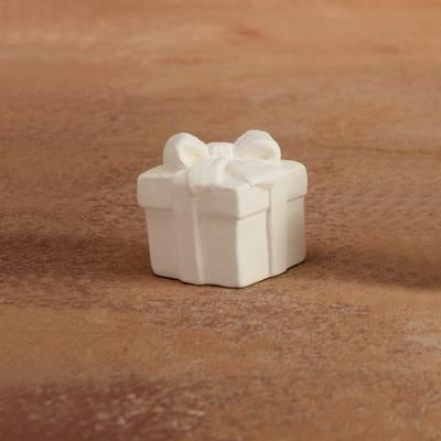 5262 Gift Box Tiny Topper