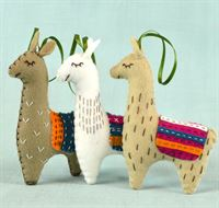 3 Llamas Felt Craft Kit